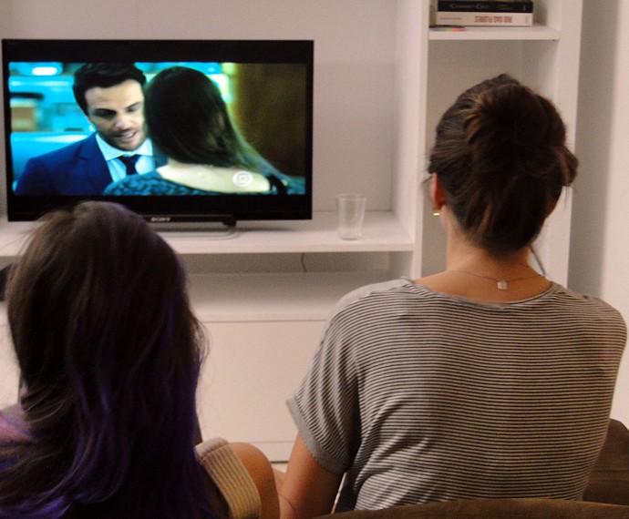 Camila Queiroz falou sobre a repercussão da cena (Foto: Fabio Rosso/ Gshow)