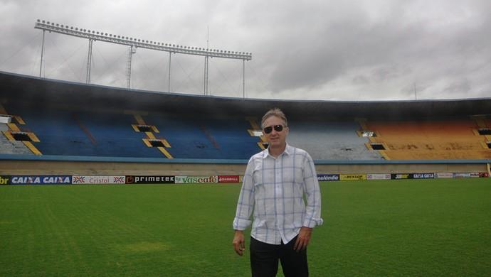 Cacau, ex-atacante do Goiás, relembra jogo inesquecível no Serra Dourada (Foto: Guilherme Gonçalves/GloboEsporte.com)