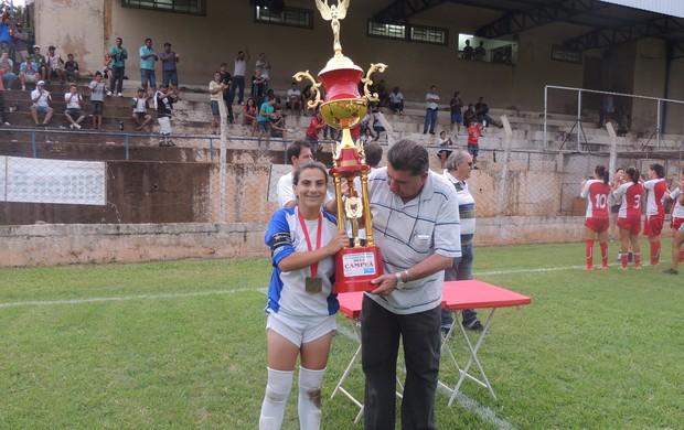 Futebol feminino de Taubaté comemora título (Foto: Divulgação)