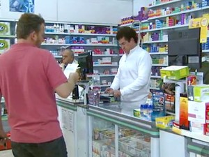 Farmacêutico encontra oferta de vagas de emprego (Foto: Reprodução / EPTV)
