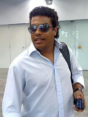 ASSIS NO GALEÃO (Foto: Fabricio Costa / Globoesporte.com)