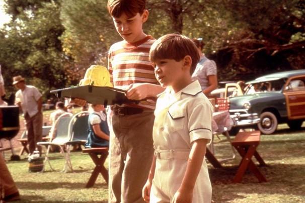 Joseph Mazzello e Seth Mumy atuaram em 'Os Três Desejos' (1995) ainda crianças  (Foto: Divulgação/Reprodução)
