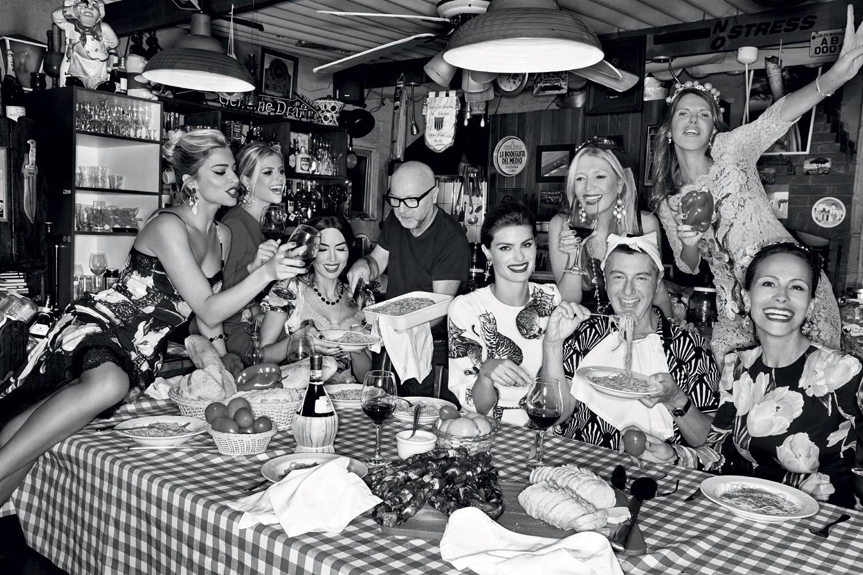 Grazi Massafera, Dolce & Gabbana na Vogue de dezembro  (Foto:  J.R. Duran/Arquivo Vogue)