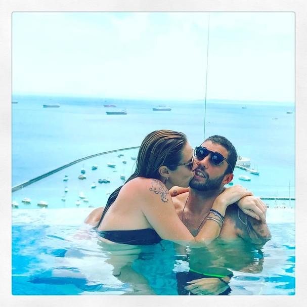 Roubei um beijo, disse Luana no Instagram (Foto: Reprodução Instagram)