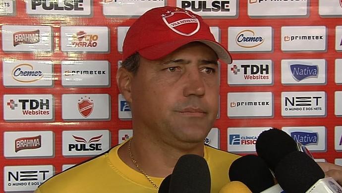 Márcio Azevedo - técnico Vila Nova (Foto: Reprodução / TV Anhanguera)