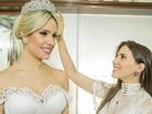 Estilista de Thyane Dantas mostra, em vídeo, criação de vestido de noiva