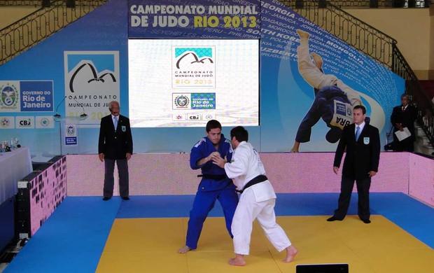 João Derley em demonstração de judo (Foto: Helena Rebello Coelho Gomes / Globoesporte.com)