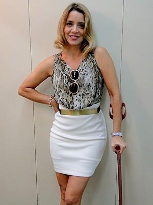 De volta às novelas, Christine Fernandes interpreta uma charmosa jornalista (Foto: Cheias de Charme / TV Globo)