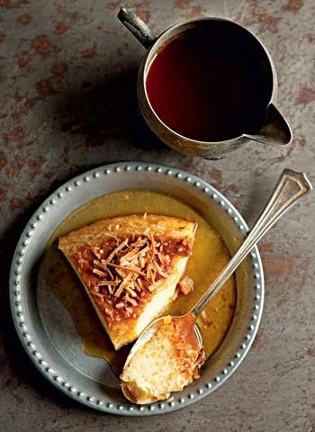 Pudim de tapioca com calda de coco queimado (Foto: Iara Venanzi)