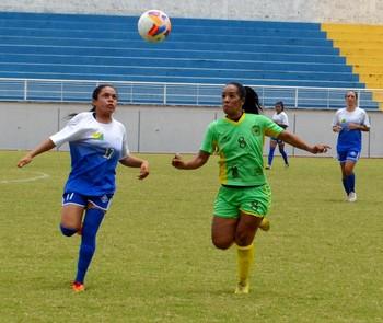 Galvez x Atlético-AC, na Seletiva Acreana de Futebol Feminino (Foto: Nathacha Albuquerque)