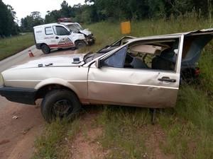 Acidente matou dois e feriu três em Ribeirão Branco (Foto: Divulgação/Polícia Rodoviária de Itapeva)