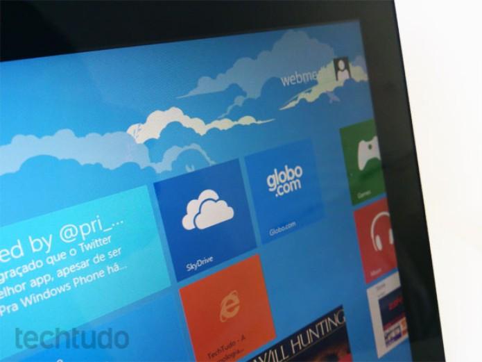Tela do Microsoft Surface RT tem tecnologia que evita reflexos (Foto: Rodrigo Bastos/TechTudo)