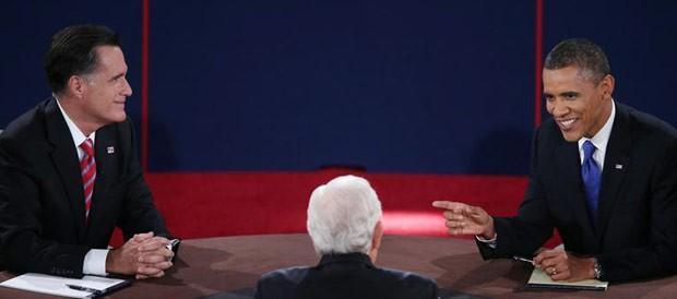 O republicano Mitt Romney e o democrata Barack Obama durante o debate desta segunda-feira (22) em Boca Raton, na Flórida (Foto: AP)