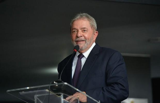Não há nenhuma razão para impeachment, diz Lula a jornal argentino