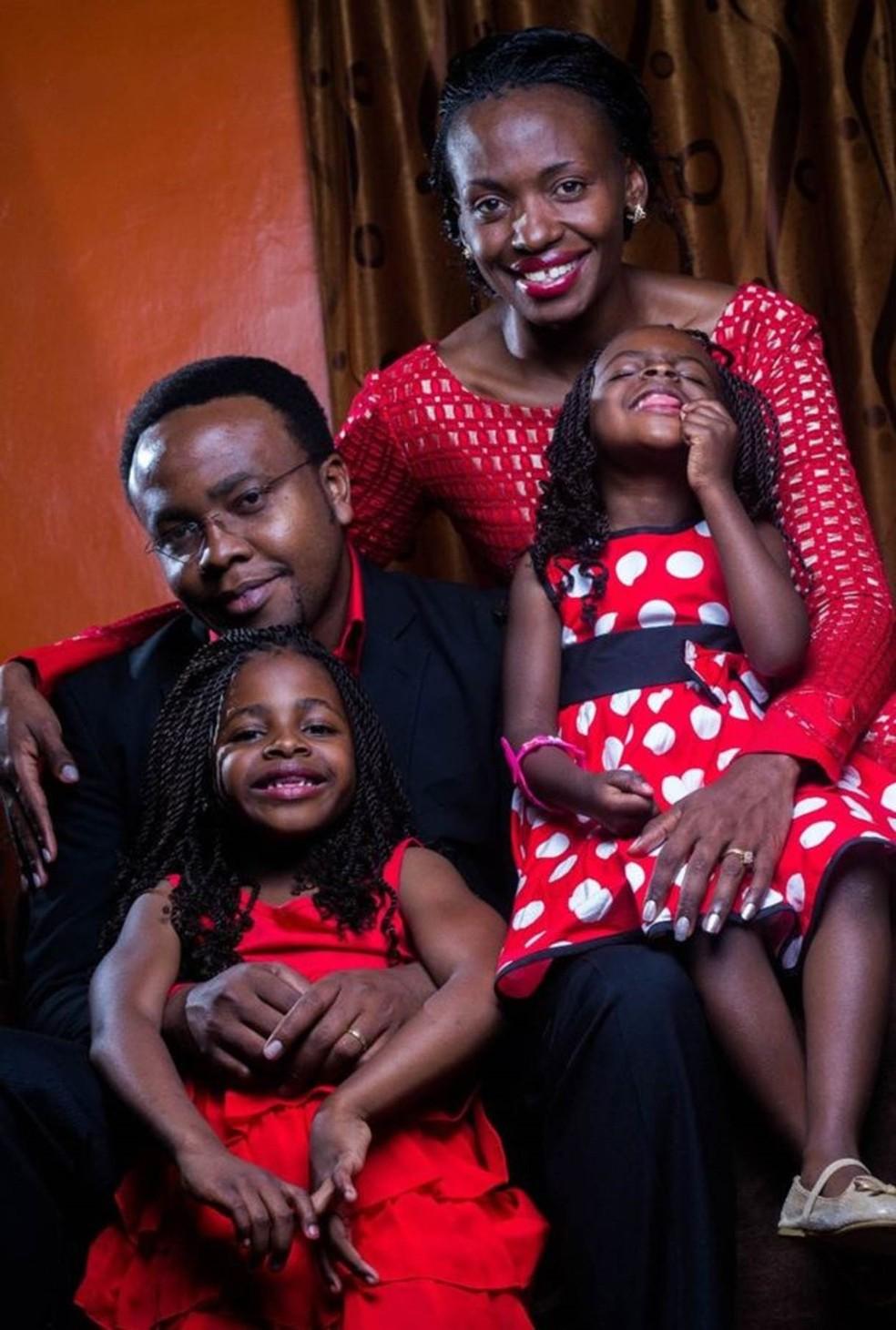 Terry Gobanga com o marido, Tonny, e suas duas filhas (Foto: Arquivo Pessoal)