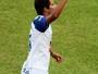 Elton festeja gols, artilharia e vaga do Monte Azul à segunda fase da A3