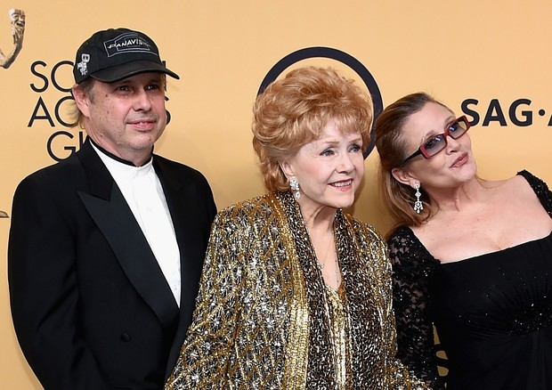 Todd Fisher, Debbie Reynolds e Carrie Fisher (Foto: Getty Images)