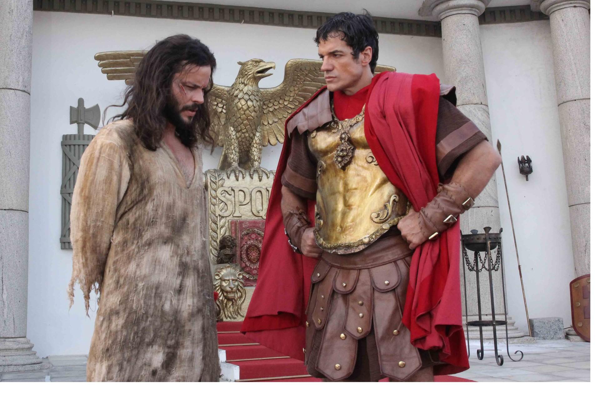 Jose Barbosa (Jesus) e Carlos Machado (Pilatos) (Foto: Divulgação Evento)