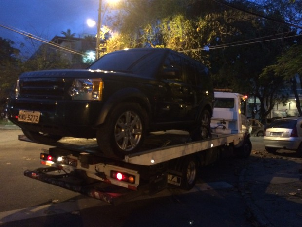 Tuchinha estava indo buscar o carro no lava jato quando foi baleado por ocupantes de uma moto (Foto: Matheus Rodrigues/G1)