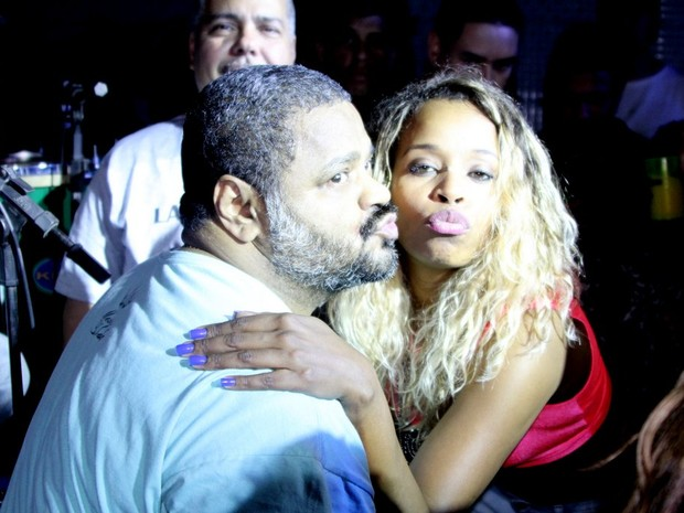 Arlindo Cruz e Roberta Rodrigues em show no Rio (Foto: Rodrigo dos Anjos/ Ag. News)