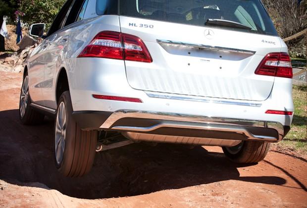 SUV superou buracos com facilidade (Foto: Divulgação)