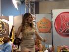 Beldades do carnaval caem no samba durante gravação de programa