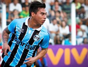 Vargas comemora, Santos x Grêmio (Foto: Ale Vianna/Agência Estado)