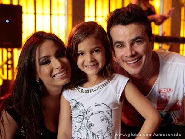 Mel Maia posa com Anitta e Anderson Di Rizzi (Foto: Felipe Monteiro/TV Globo)