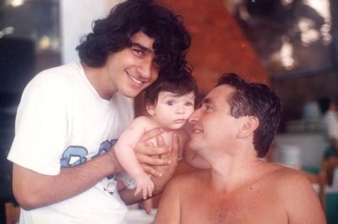 Henrique Farias com o filho, Mateus, hoje com 21 anos (Foto: Arquivo pessoal)