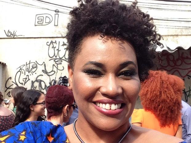 No meio do evento, Lilian Valeska também registrou o momento (Foto: Sexo e as Negas/TV Globo)