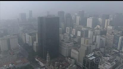 Neblina fecha o Aeroporto Santos Dumont no Rio