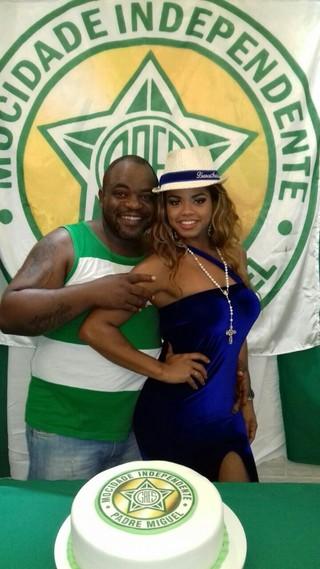 Bianca Monteiro com o namorado VIcente Jorge (Foto: Reprodução/Facebook)