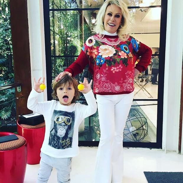 Ana Maria Braga e o neto (Foto: Reprodução / Instagram)