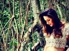 Fernanda Machado mostra barriga de grávida e revela: 'Choro solto'