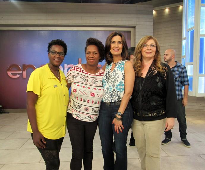 Convidadas com a apresentadora nos bastidores do 'Encontro' (Foto: Viviane Figueiredo Neto/Gshow)