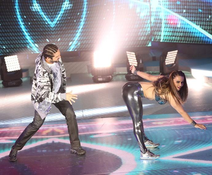 Coreografia contou com performance sensual (Foto: Carol Caminha/Gshow)