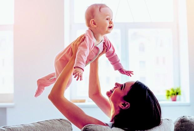 Mãe com bebê (Foto: Thinkstock)