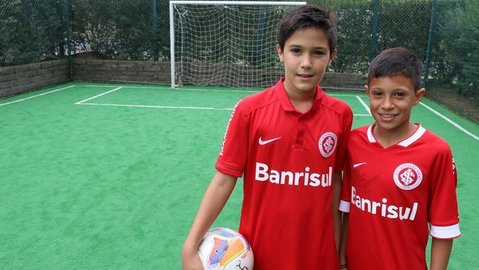 Enzo e Felipe Filho do Fernandão especial Inter Um ano sem Fernandão (Foto: Leo Urnauer/GloboEsporte.com)