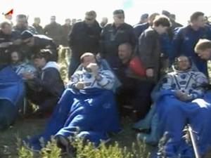 Astronautas da cápsula espacial Soyuz retornam em segurança à Terra nesta segunda-feira (13). (Foto: Reprodução/Nasa)