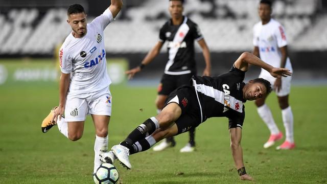 Vasco x Santos - Campeonato Brasileiro 2017-2017 - globoesporte.com c95ae7068ed79