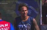 Neymar participa de torneio no instituto que leva seu nome, em Praia Grande