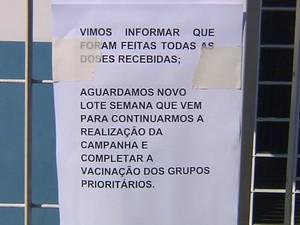 Pacientes ficaram sem vacina no dia 'D' (Foto: Reprodução / TV TEM)