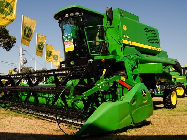 Sexta-feira (1º) - Gigantes do agronegócio são os grandes atrativos da feira em Ribeirão Preto, SP (Foto: Érico Andrade/G1)
