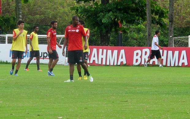 airton flamengo treino (Foto: Janir Junior / Globoesporte.com)