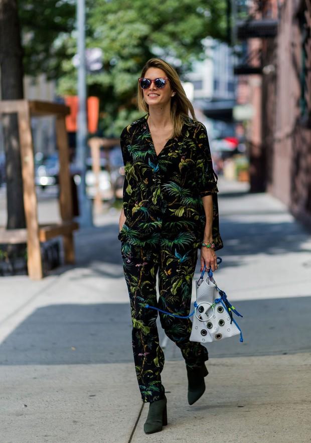 Helena Bordon usa terninho estampado em evento vip (Foto: Getty Images)