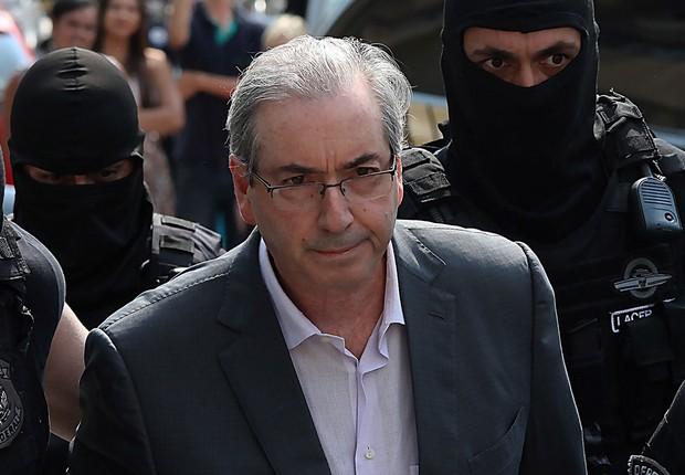 O deputado cassado Eduardo Cunha (PMDB-RJ) passou por exame de corpo de delito no IML de Curitiba (Foto: Jason Silva/AGIF/Agência O Globo)