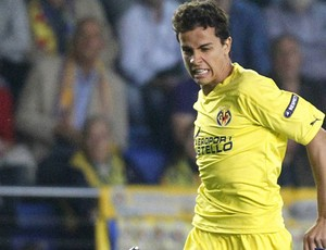 Nilmar pelo Villarreal (Foto: Reuters)