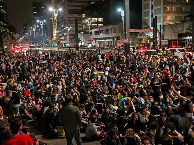 Manifestantes protestam contra o presidente Michel Temer na Avenida Paulista, em São Paulo (Foto: Alex de Jesus/Estadão Conteúdo)