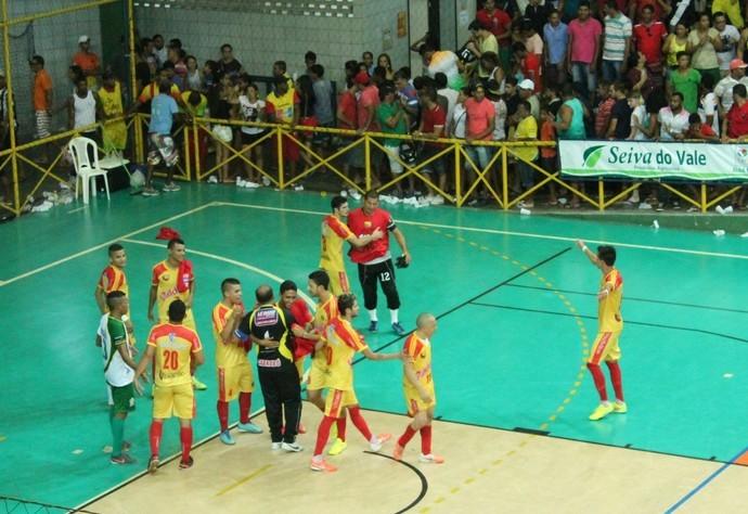 Cabrobó comemora classificação para mais uma final  (Foto: Magda Lomeu)