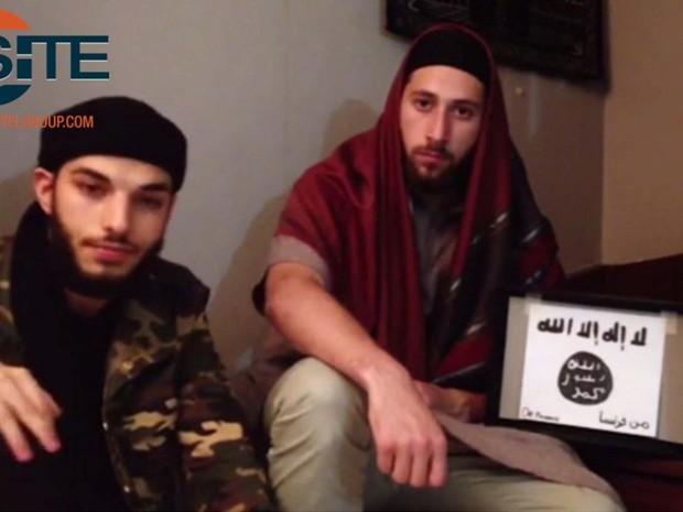 Vídeo divulgado pelo Estado Islâmico mostra agressores que invadiram igreja em Saint-Etienne-du-Rouvray, na França (Foto: Reprodução/ Twitter/ SITE Intel Group)